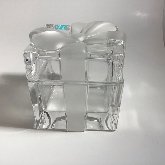 Tiffany & Co. Other - Tiffany & Co Crystal trinket box w/ Frosted Bow